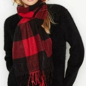 VS Winter Scarf fringed black/red buffalo plaid
